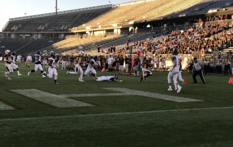 Ronnie Pinkard Runs in First Touchdown of the Game