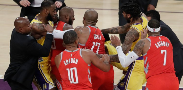 Fight+breaks+out+during+the+October+23+Lakers+vs+Clippers+game.+Image+via+ESPN.