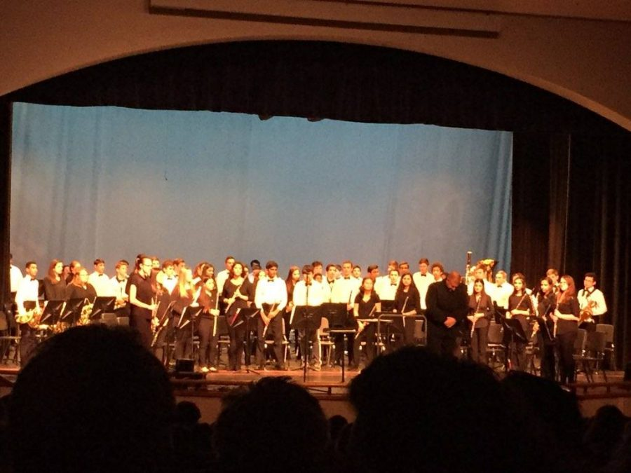 Symphonic+band+after+they+finished+their+performance.